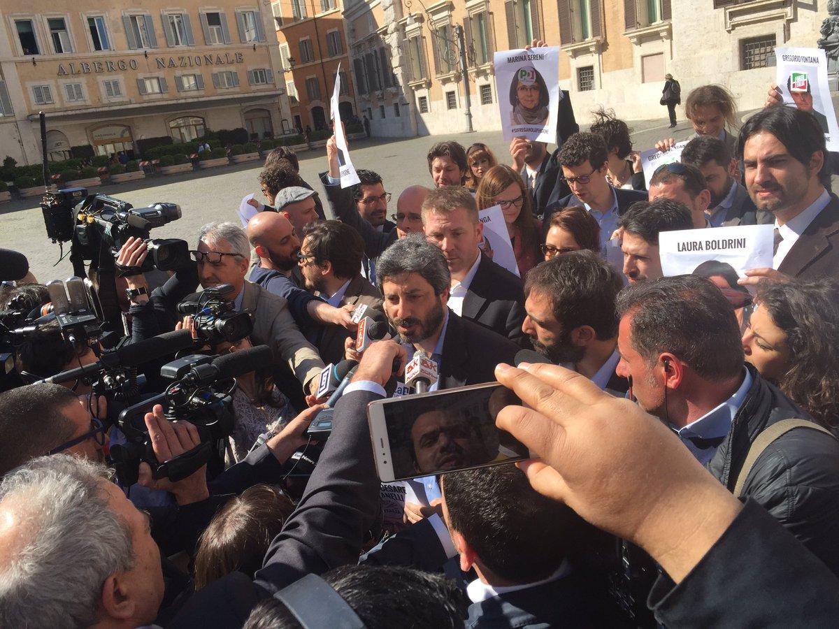 Roberto Fico - piazza Montecitorio - 30 marzo 2017