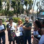 Conferenza stampa M5S Napoli su spiaggia Trentaremi